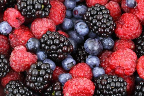 Strawberries and Blueberries May Help Seniors With High Blood Pressure