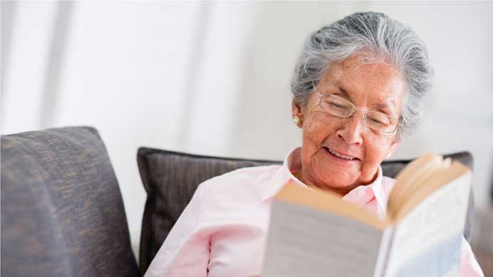 Health Benefits of Reading for Seniors